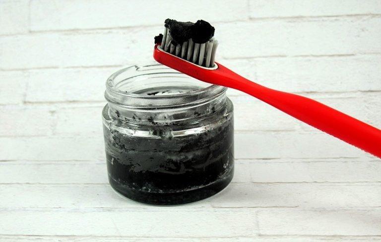 diy dentifrice maison en poudre au citron paillettes et citron vert. Black Bedroom Furniture Sets. Home Design Ideas
