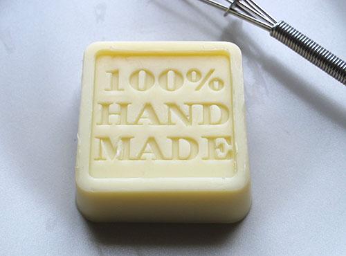 crème solide mains